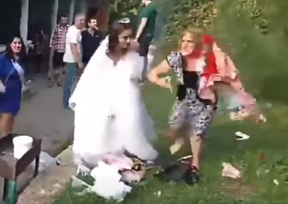 Nezapamćena tuča na svadbi, prije se čupale za kosu | Radio Televizija BN