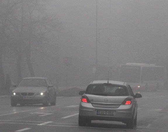Корисни савјети: Како возити по магли?