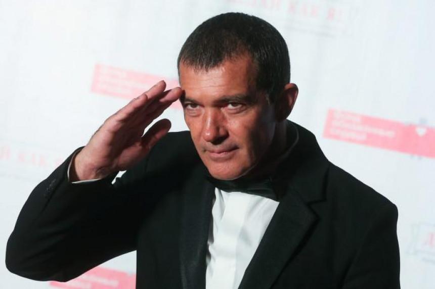 Antonio Banderas pomaže bolnicama u Španiji donirao 53 hiljade evra!