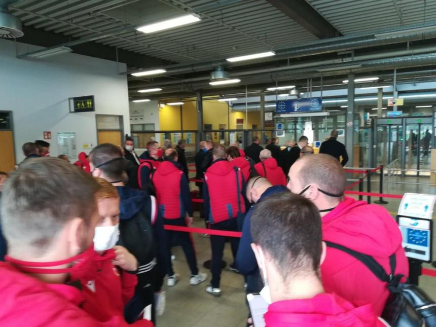 Црвено-бијела екипа слетјела на аеродром у Карлсруеу
