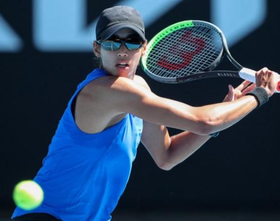 Neviđen skandal, teniserki greškom oduzeo gem!