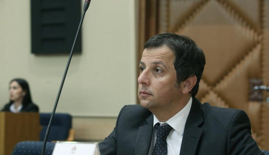 Ako se opozicija složi, Dodiku izlazim na megdan!