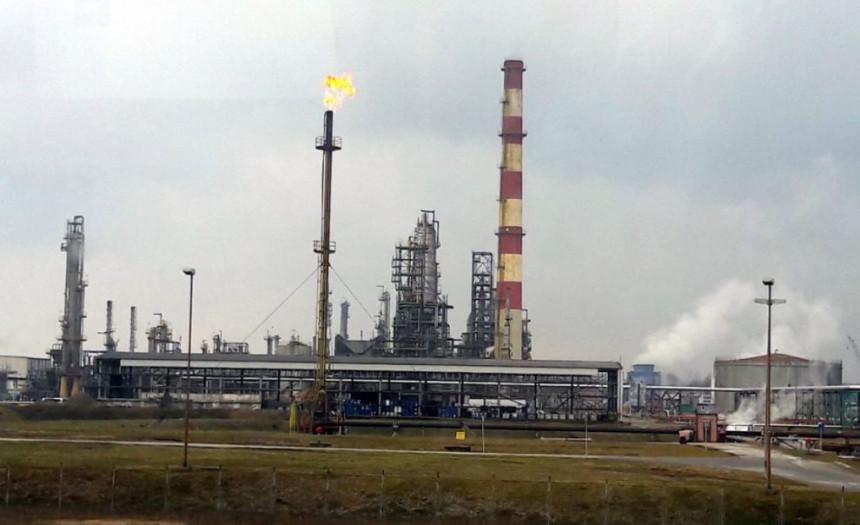 Гас из Хрватске стиже у Рафинерију нафте у Броду