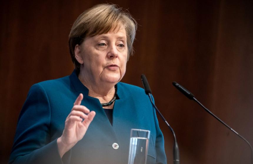 """Ангела Меркел ипак ће примити вакцину """"Астразенека"""""""