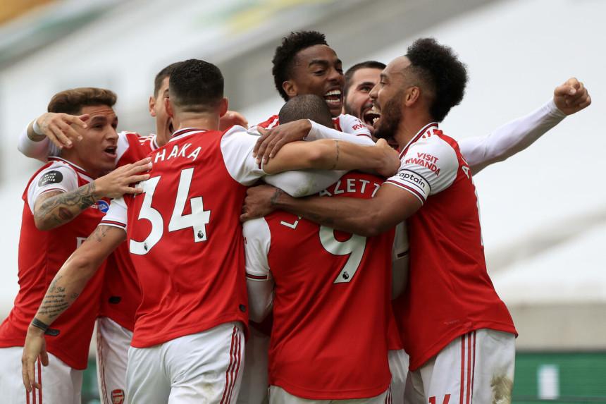 Vlasnici Arsenala poručili: Ne prodajemo klub