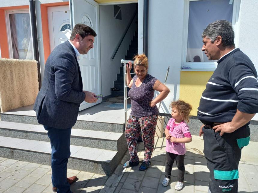 Petrović posjetio naselje gdje se grade stanovi za Rome