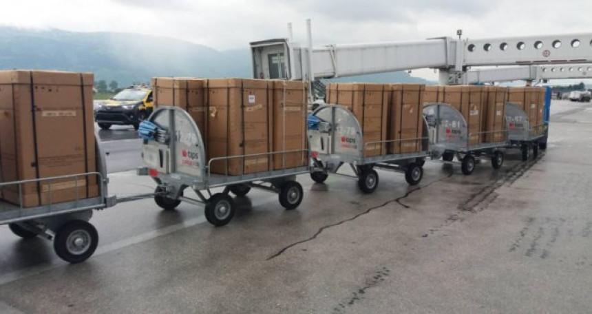Mediji u SAD: Ventilatore koje mi bacamo, vlasti u BiH nabavile po paprenim cijenama