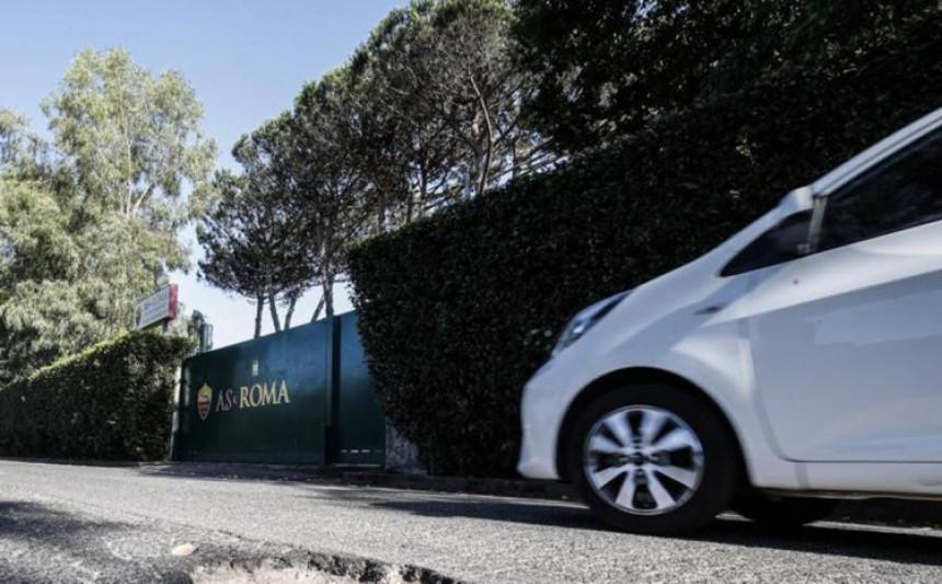 Incident: Otac fudbalera polupao pet automobila