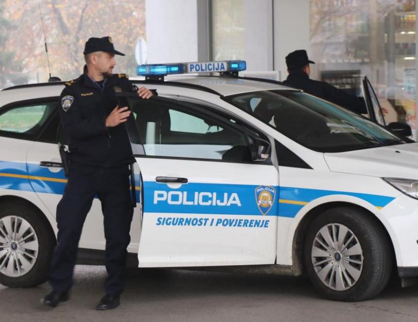 Policija upala u Gradsku upravu, uhapšeno 10 osoba