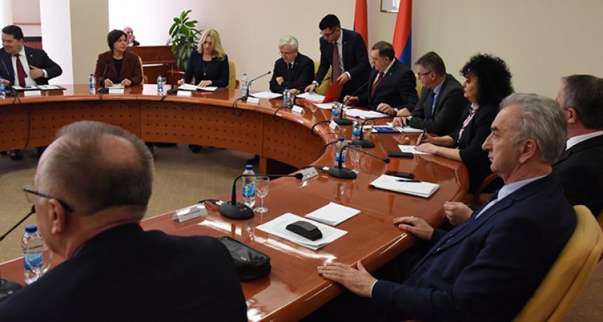 Stranački lideri kod predsjednika Narodne skupštine Srpske