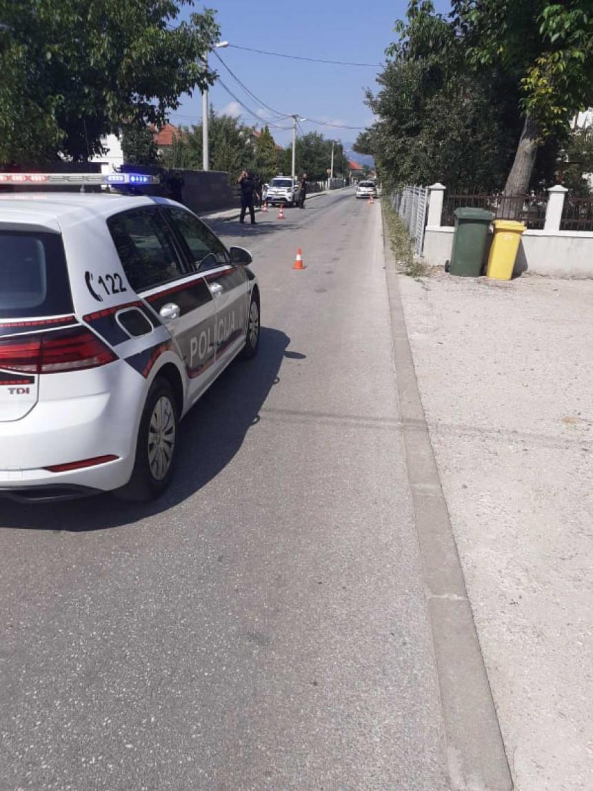 Iz džipa u pokretu pucano na kuću Muriza Memića
