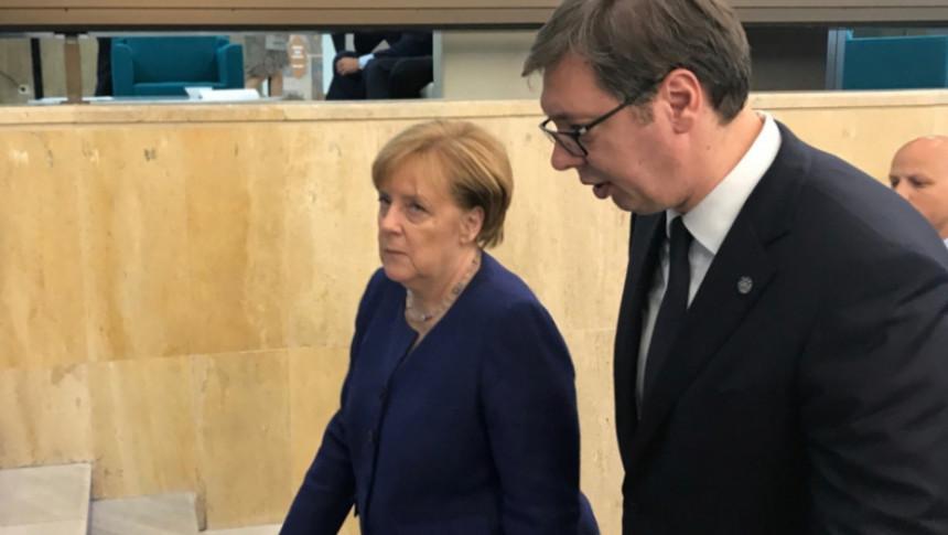 Vučić spašava Dodika od smjene - zauzvrat Dodik se vraća u normalu!?