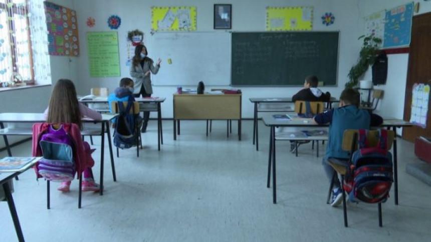 Млади одлазе, Српска постаје земља стараца